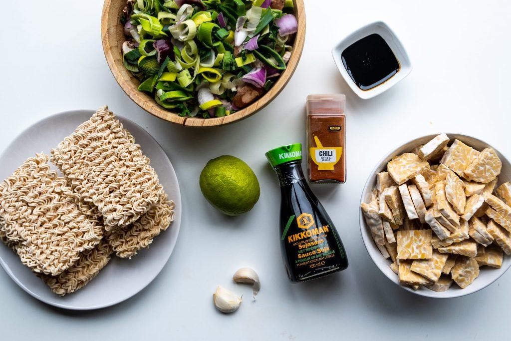 Vegan wokgerecht ingrediēnten