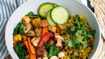 Rijst met groente en tofu